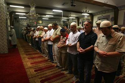 Türkiye Kazakistan'a hatimle teravih için imam gönderiyor