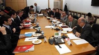 AK Parti, CHP ve MHP darbe yasasında uzlaştı