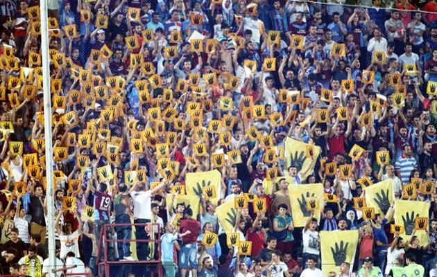 Futbol sahalarından Adeviyye'ye destek