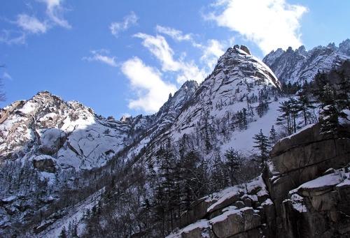 İki Kore 'kutsal dağ'ın geleceğini görüşecek