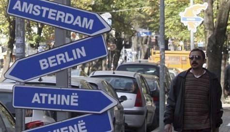 AB, Balkanlara yeniden vize koyuyor