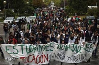 İspanya'da öğrenciler greve gitti