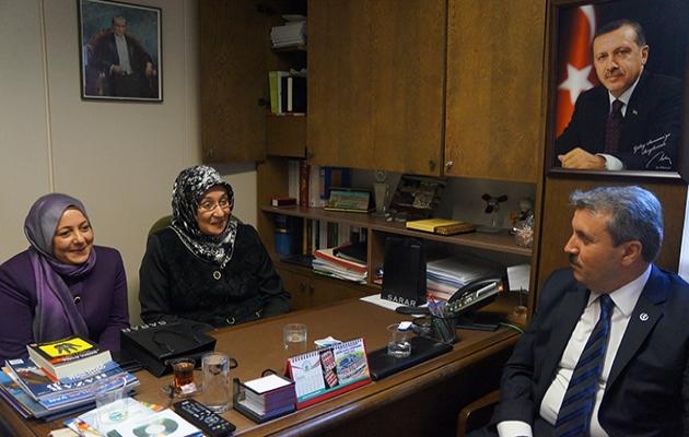 BBP Genel Başkanı'ndan başörtülü vekillere ziyaret