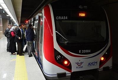 Marmaray'da ilk gün 300 bin yolcu