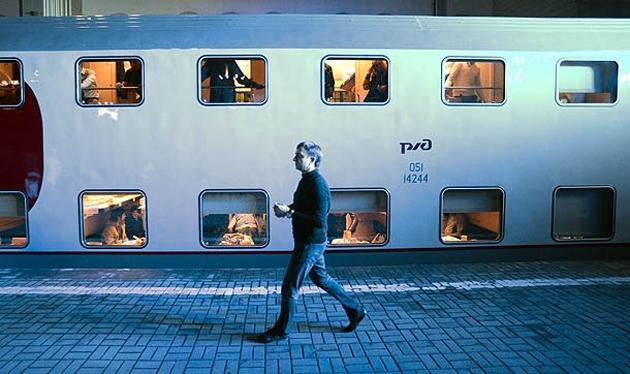 Çift katlı tren Rusya'da seferlere başladı