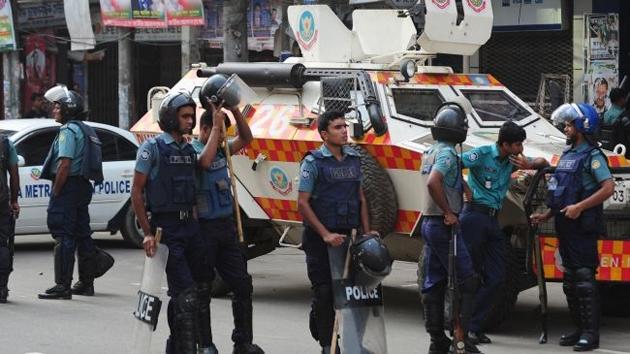 Bangladeş'te siyasi kriz eylemleri: 2 ölü