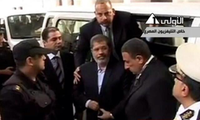 Mursi ailesiyle görüştü