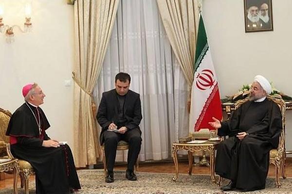 Ruhani'den Papa'ya diyalog mesajı