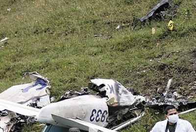 Fransa ve Meksika'da küçük uçak düştü