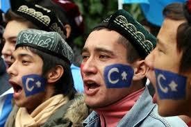 Uygur öğrencilere mezuniyet şartı!