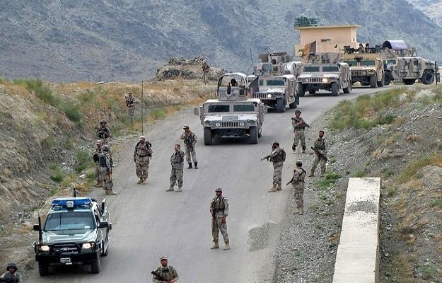 Pakistan'da Taliban'a hava saldırısı