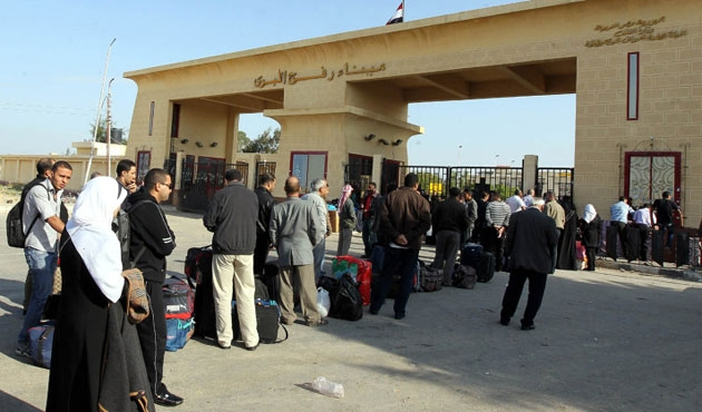 Refah Kapısı Filistinli umre yolcuları için açıldı