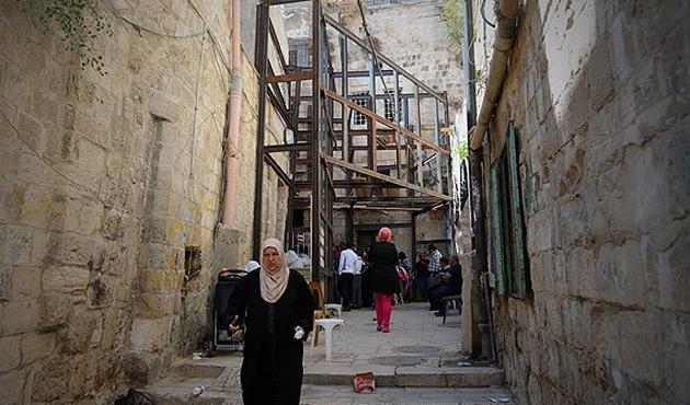 İsrail'den Filistinlilere sebepsiz gözaltı