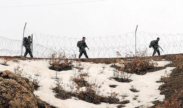 Mazot kaçırmak için sınıra boru döşenmiş