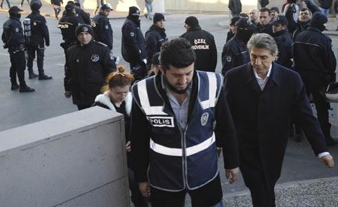 Fatih Belediye Başkanı Demir hakkında takipsizlik