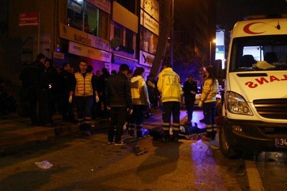 Tophane'de motosikletli kaza: Bir kişi öldü!