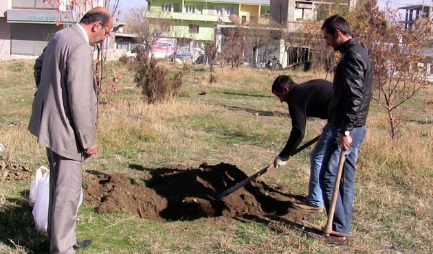 Jandarma bahçesinde insan kemikleri bulundu