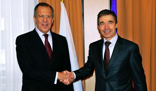 Lavrov ve Rasmussen Ukrayna için bir araya geliyor