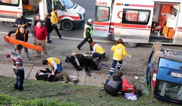 İstanbul TEM'de trafik kazası; 7 yaralı var!