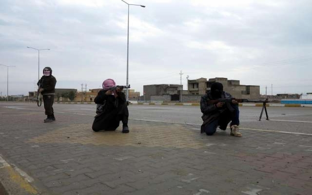 IŞİD her an Ramadi'ye girebilir