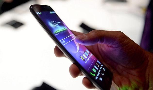 Telefon ve tablet, duruş bozukluğuna yol açıyor