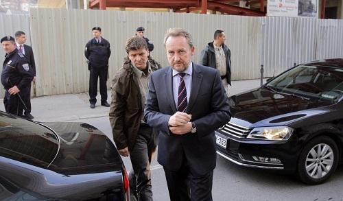 AB Komisyonu Üyesi Füle, Bosna Hersek'te
