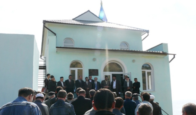 Kırım camilerinde Cuma sonrası kriz için dua var