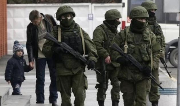 Kırım'da 7 askeri birlik hala kuşatma altında
