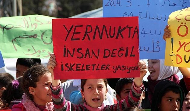 Kamplardaki Suriyelilerden Yermuk için gösteri