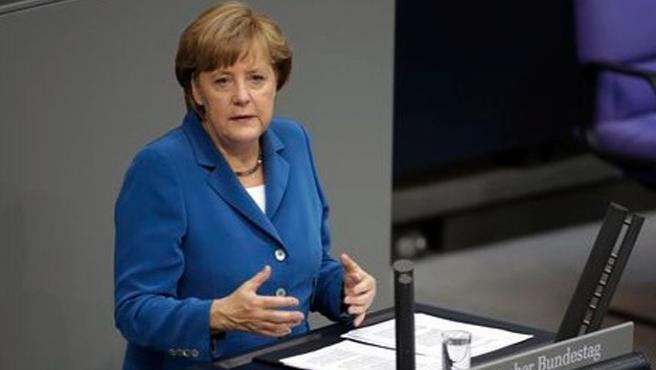 Merkel: Rusya 100 yıl geriye götürüyor