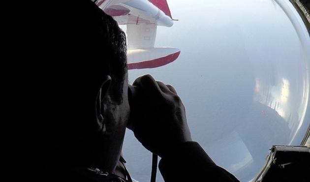 Malzeya'da uçağının pilotlarının evinde arama