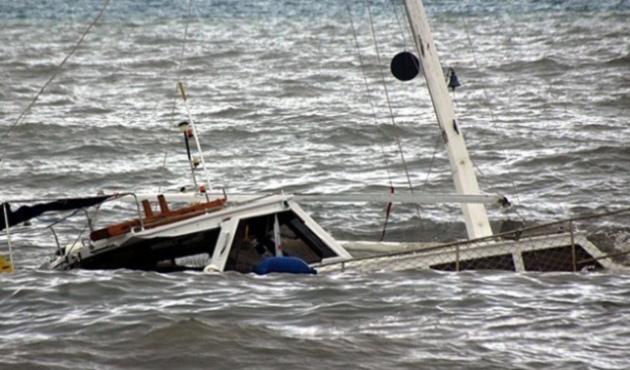 Bodrum'da kaçak teknesi battı; 4 Ölü