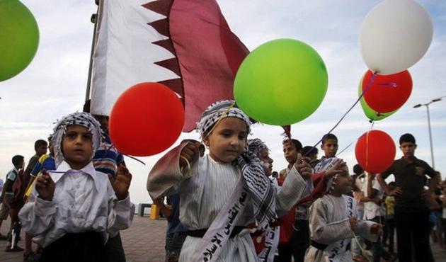 Gazzelilerden Katar'a teşekkür mitingi