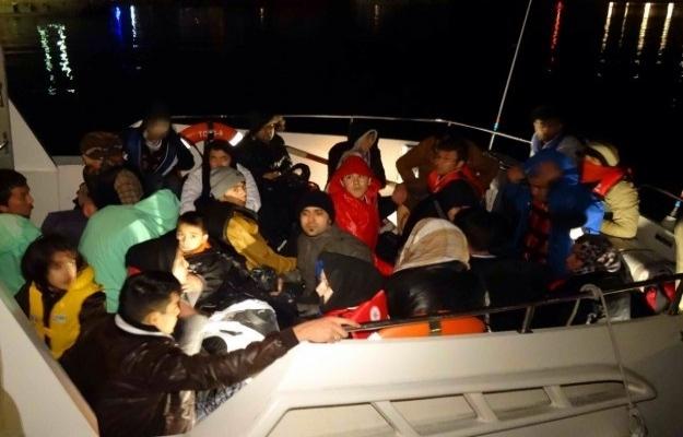 Lastik bottaki 39 kaçak kurtarıldı