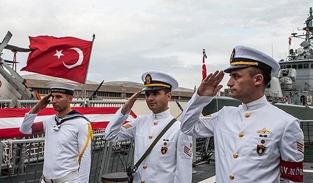 Türk Donanması ilk durağı Tunus'ta