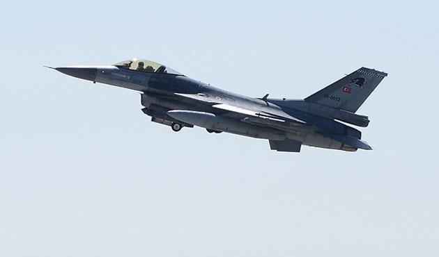Suriye'den Türk uçağına taciz