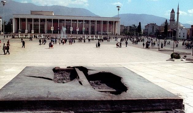 Arnavutluk'ta 900 mahkum affedildi