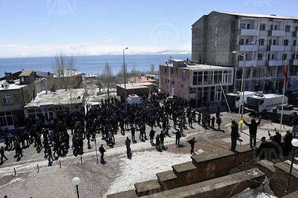 Ahlat'taki seçim gerginliğinde dokuz kişi tutuklandı