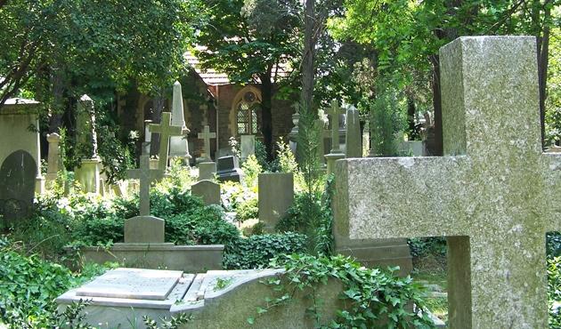 KKTC'de Rum mezarlığına saygısızlık