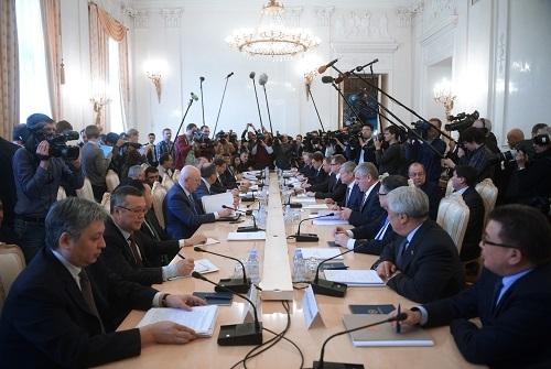 Rus NATO'su KGAÖ, Moskova'da toplandı