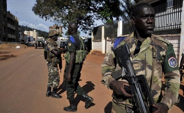Çad Orta Afrika'daki askerlerini çekiyor