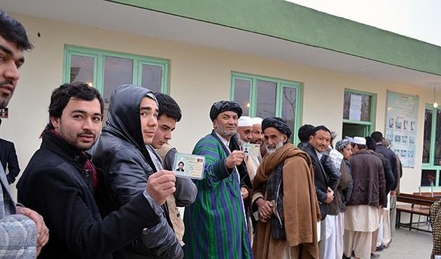 Afgan halkı seçim sonuçlarını bekliyor