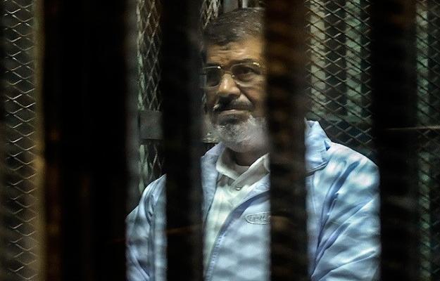 Mursi'nin yargılandığı dava ertelendi