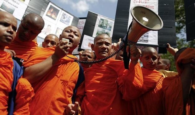 Myanmar'da Budistlerin desteklediği bakan atandı