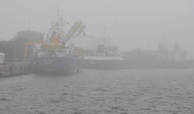 Sis, Karadeniz'de deniz ulaşımını durdurdu