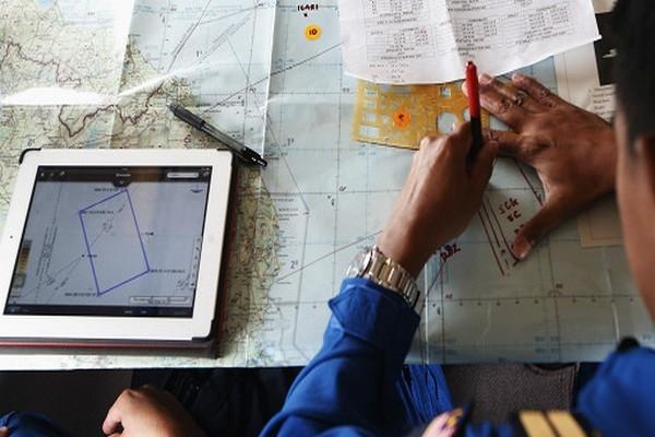 Malezya uçağı hâlâ bulunamadı, sinyaller de kesildi