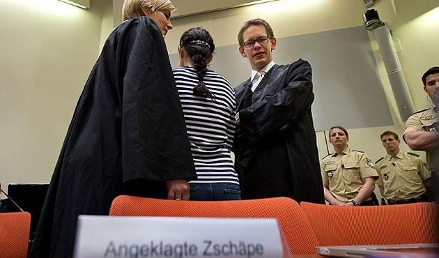 Alman ırkçı teröriste dördüncü avukat