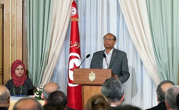 İsrail Tunus eski liderini Fransa'ya gönderiyor