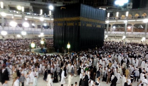 Üç milyon Müslüman Hacı oldu