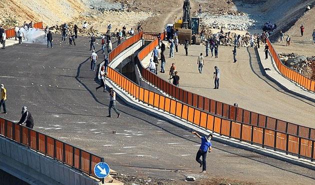 Diyarbakır Valiliği: Yollar güvelik altında